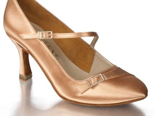 Особенности обуви для бальных танцев.